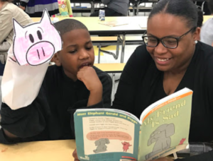 Families reading together Mo Willems books